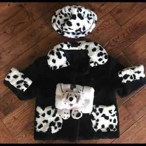 Girls jacket size 4 CRUELLA DEVILLE with hat/muff